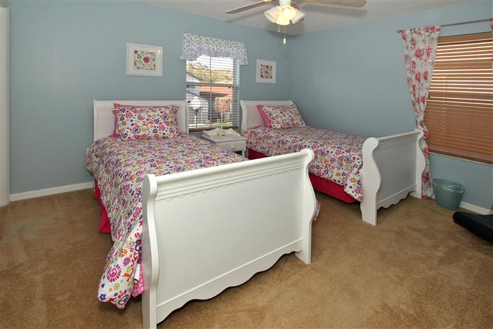 Twin Bedroom 1